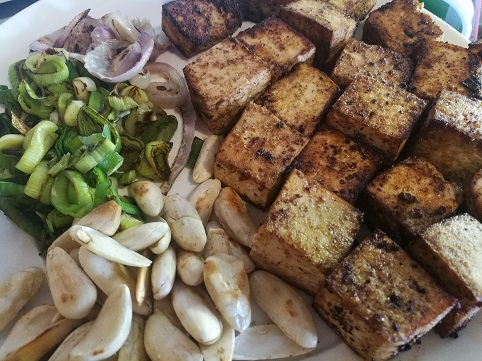 Masala Zucchini noodles with tofu sayoni care